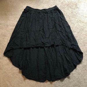 Plain black high-low skirt